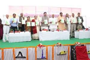Smt. Hansaji with the Core Committe members of The Yoga fest Bhopal
