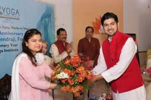 A warm welcome to Smt. Poonam Mahajanji